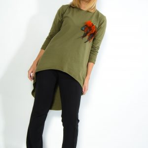 Long T-shirt with feathers